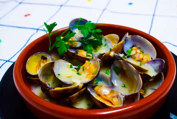 Almejas a la Marinera receta tradicional.