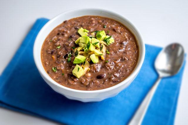 Sopa-de-frijoles-Negros-mexicanos